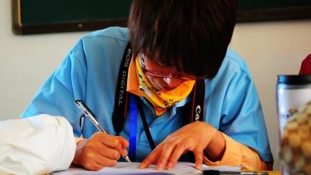 2013山西夏令营忙碌的志愿者